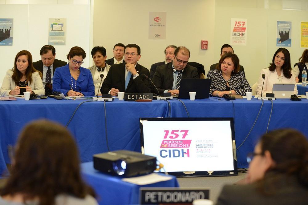 El ministro de Relaciones Exteriores, Hugo Martínez, fue interpetado ante la CIDH por representantes de las oenegés Fespad, SSPAS y Cejil el pasado 13 de abril en Washington, Estados Unidos. Las tres organizaciones creen que el Gobierno está violando los derechos humanos en su estrategia de combate a las pandillas. Foto cortesía CIDH.