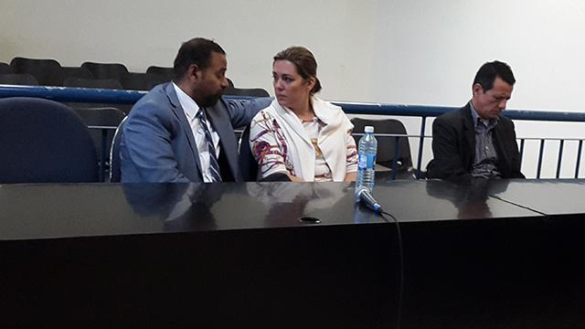 El Juzgado Noveno de Paz de San Salvador ordenó instrucción formal con detención provisional contra el abogado Mario Calderón y su esposa Claudia María Herrera, acusados de lavado de dinero hasta por diez millones de dólares.