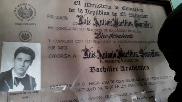 Diploma de bachiller del Liceo Salvadoreño.