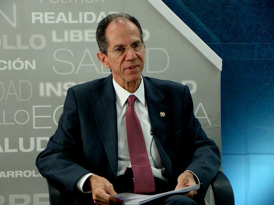Francisco Díaz Rodríguez, candidato a fiscal general de la República. Desde febrero de 2011 a la fecha (diciembre de 2015) ha sido superintendente de Competencia.