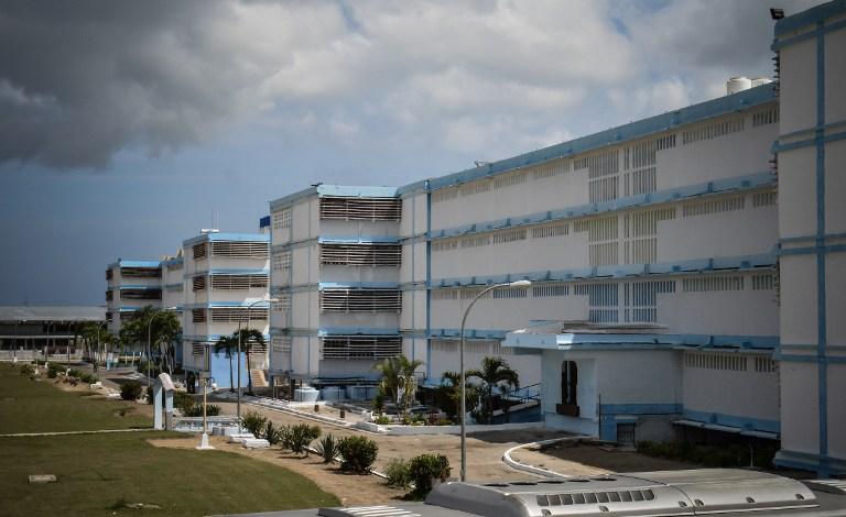 Así luce por fuera el Combinado del Este, uno de los cinco recintos de máxima seguridad que hay en Cuba. Foto Adalberto Roque (AFP).